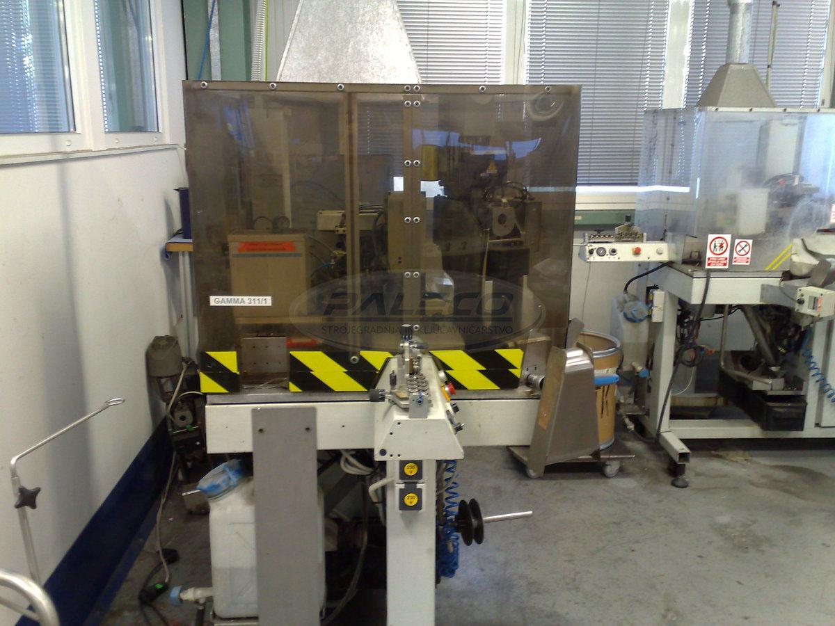 Stroj za rezanje kabelskih snopov